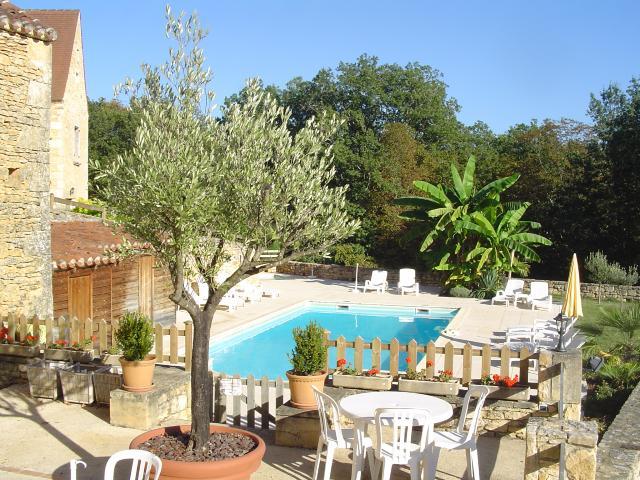 Location vacances en Périgord dans un gîte avec piscine chauffée ...
