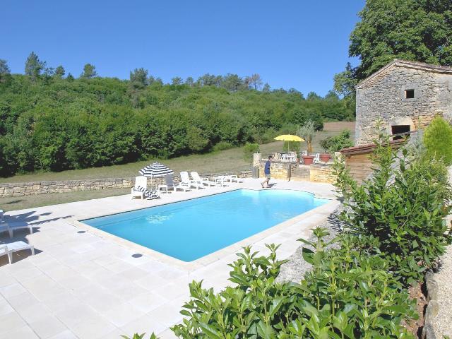 Location vacances proximit de la dordogne dans un g te for Vacances dordogne avec piscine